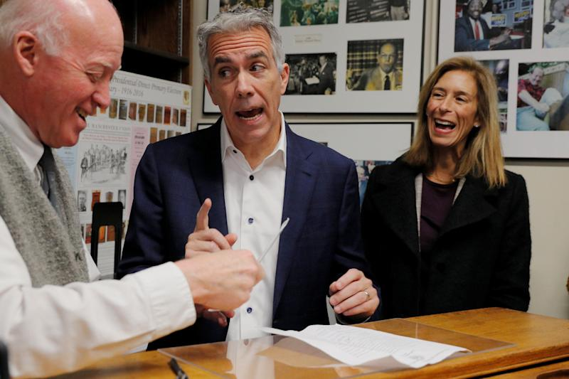 Walsh, with his wife Helene at his side, files paperwork to appear on the first-in-the-nation primary ballot in Concord, New Hampshire, on No. 14, 2019. (Photo: Brian Snyder/Reuters)