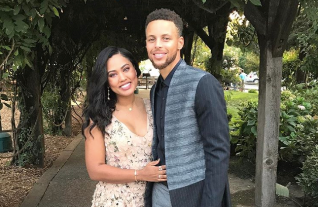 Ayesha and Stephen Curry coupled up for a friends' wedding over the weekend. (Photo: @ayeshacurry/Instagram)