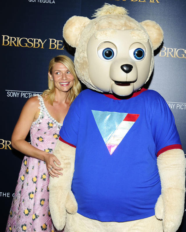 <p>The <i>Homeland</i> star posed with her cast member in the comedy flick <i>Brigsby Bear</i> at a New York City screening. He makes her look so tiny! (Photo: Paul Bruinooge/Patrick McMullan via Getty Images) </p>