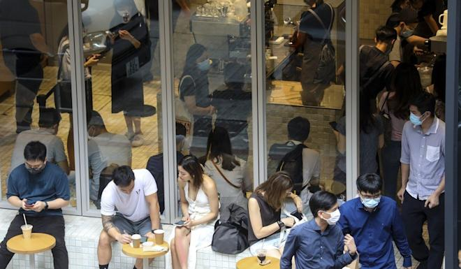 A crowded cafe in Central, even as the city grapples with a third wave of Covid-19. Photo: Dickson Lee