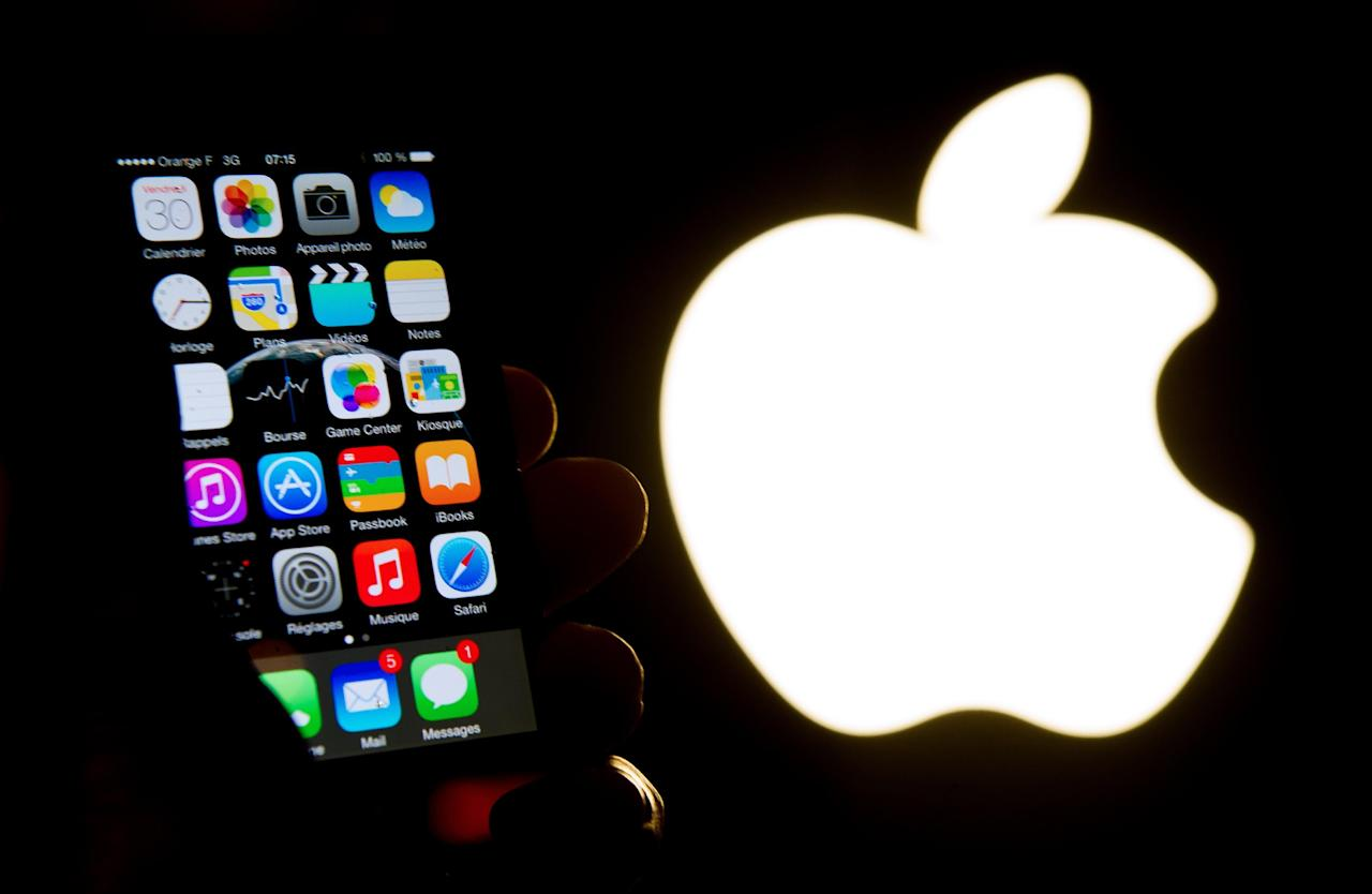 Apple is to miss its revenue forecast for the March quarter due to the coronavirus epidemic, the US tech giant said Monday, warning that iPhone supplies worldwide would also be impacted.