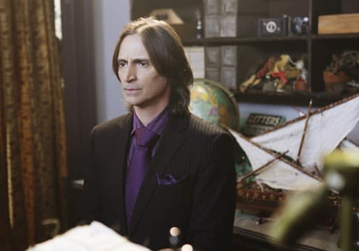 Once Upon a Time Sneak Peek: Mr. Gold Investigates August in a Rumpel-Heavy Episode