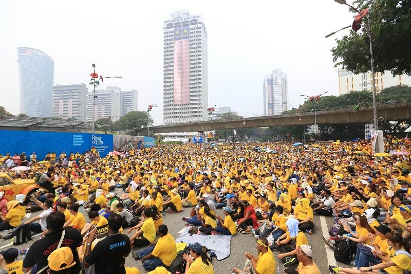 A Federal Court panel today reportedly dismissed Putrajaya''s application for leave to appeal a previous ruling by the Court of Appeal in Bersih 2.0's favour. — Picture by Saw Siow Feng