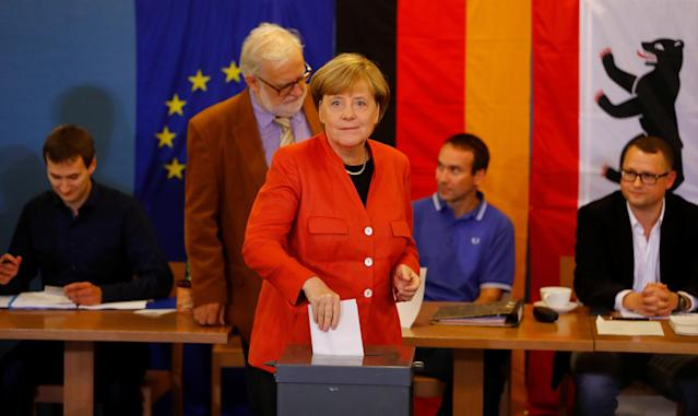 German Chancellor and leader of the Christian Democratic Union CDU Angela Merkelvotes in the generalelection (Bundestagswahl)in Berlin, Germany, Sept. 24, 2017. (Kai Pfaffenbach / Reuters)