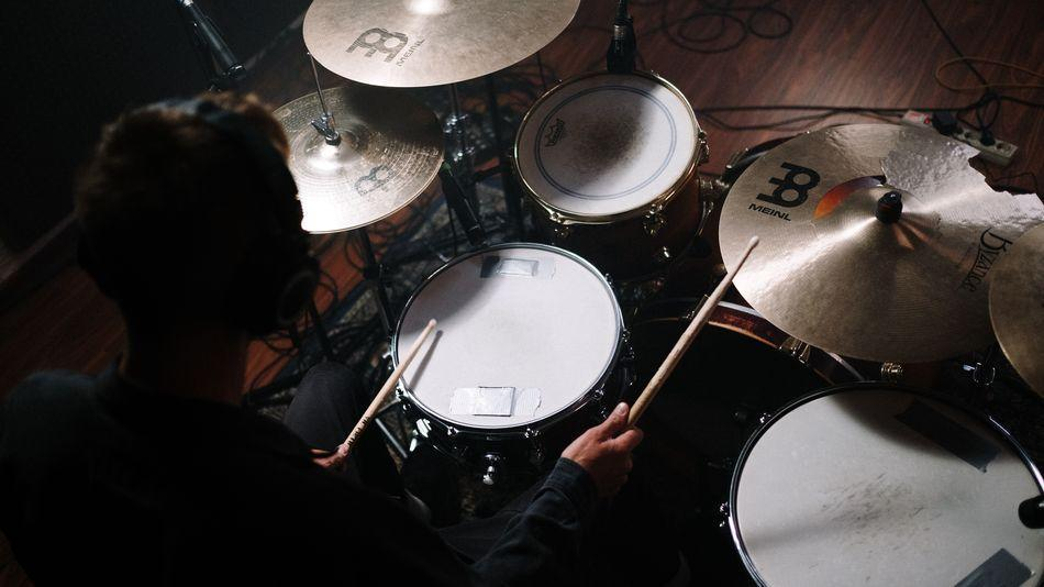Learn how to drum online with this cheap lifetime subscription