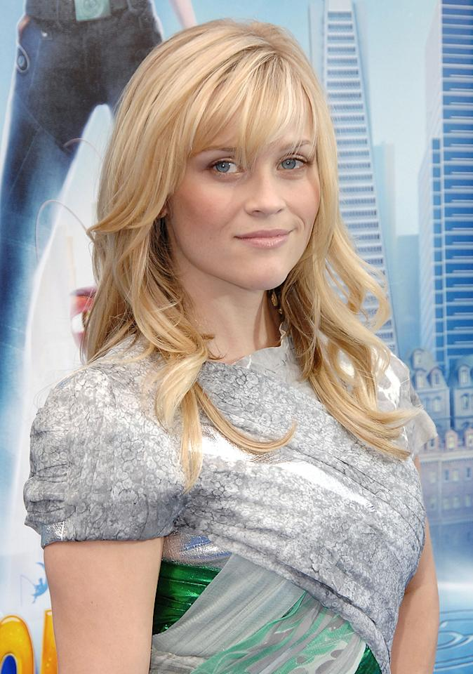 """<a href=""""http://movies.yahoo.com/movie/contributor/1800018812"""">Reese Witherspoon</a> at the Los Angeles premiere of <a href=""""http://movies.yahoo.com/movie/1809918074/info"""">Monsters vs. Aliens</a> - 03/22/2009"""