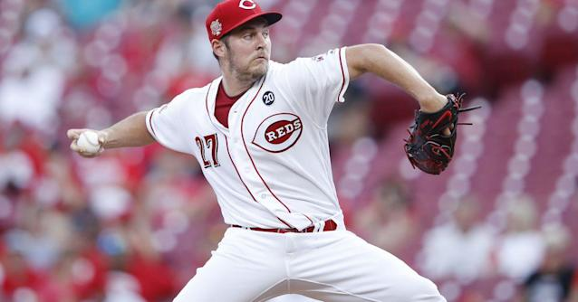 Reds attempt at a ninth inning rally falls short, lose to Padres 3-2