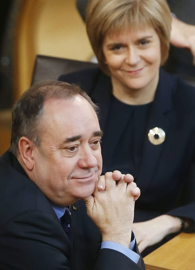 Salmond steps down from top job