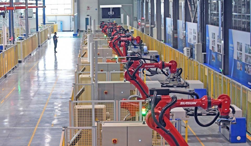 An industrial robot workshop at Siasun Robotics in Shenyang, capital of northeast China's Liaoning province, on June 6, 2017. Photo: Xinhua