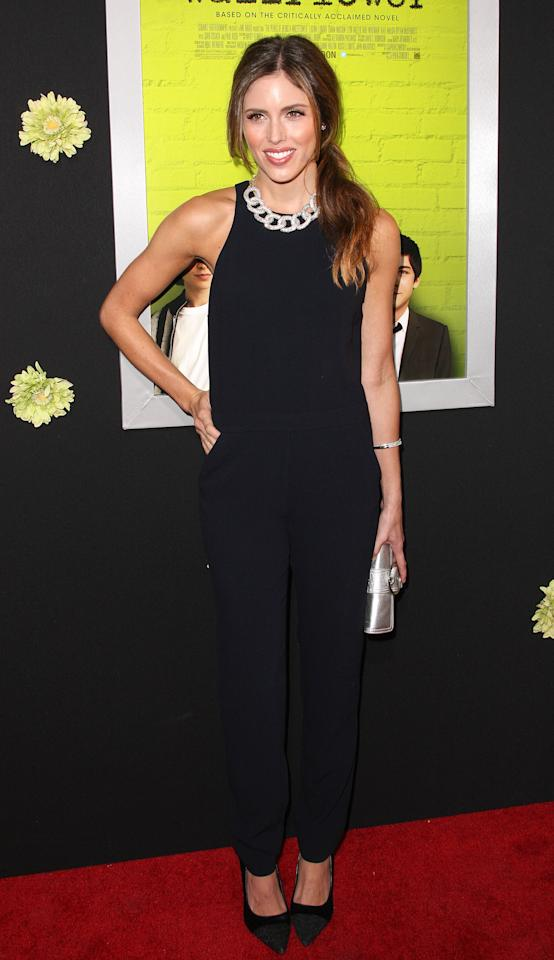 """HOLLYWOOD, CA - SEPTEMBER 10:  Actress Kayla Ewell attends the Premiere Of Summit Entertainment's """"The Perks Of Being A Wallflower"""" at the Arclight Cinerama Dome on September 10, 2012 in Hollywood, California.  (Photo by Frederick M. Brown/Getty Images)"""