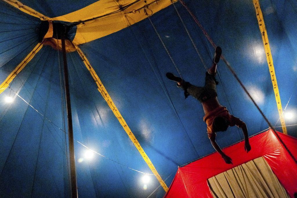 ECUADOR: Circo Anny, a family-run circus wandering the Amazon region of Ecuador, is one of those old-fashioned travelling circuses with a usual mixture of acrobats, clowns and comic acts.