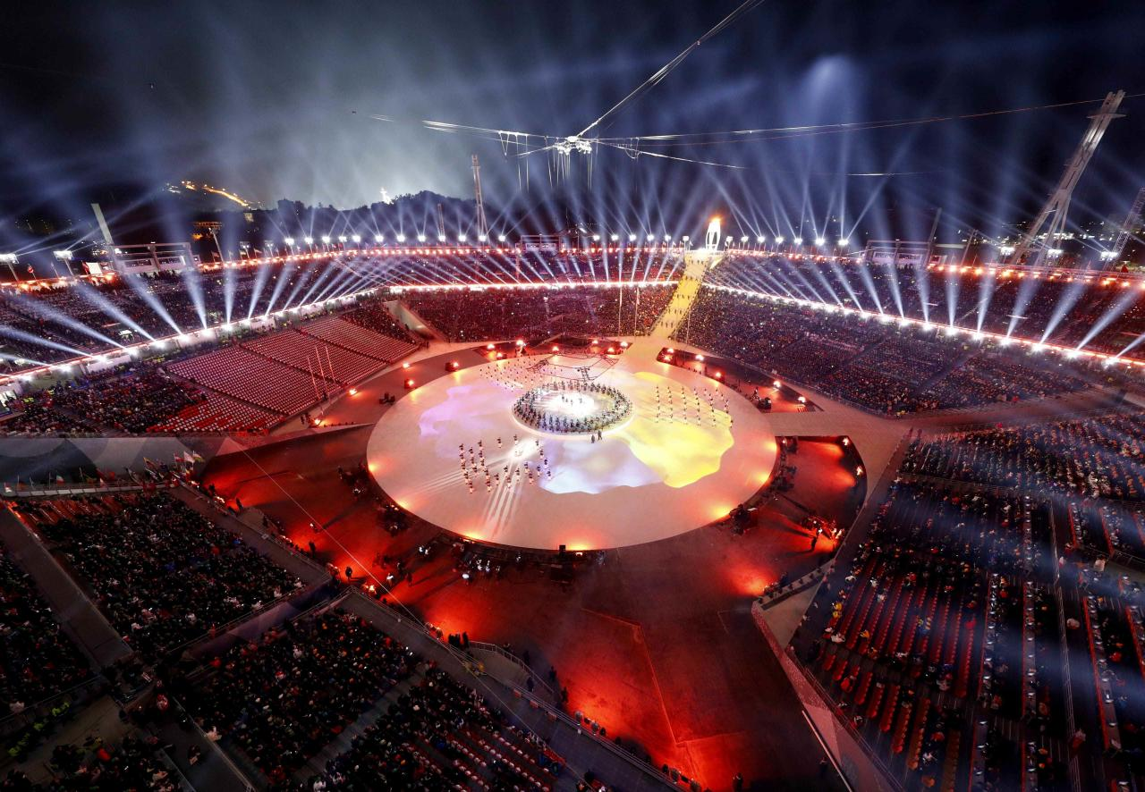 <p>General view during the closing ceremony. REUTERS/Pawel Kopczynski </p>