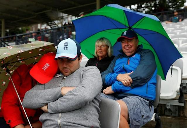 Play was abandoned at 5:22pm local time at Lord's due to rain (AFP Photo/Adrian DENNIS)