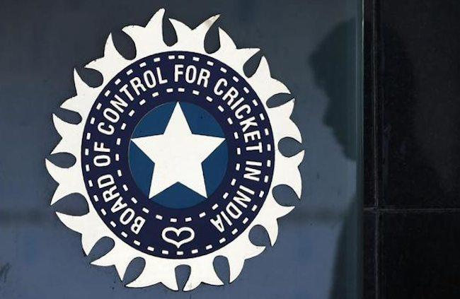 """<p>New Delhi, Aug 16 -The Supreme Court-appointed Committee of Administrators (CoA) on Wednesday pulled up the BCCI by demanding the ouster of acting President C.K. Khanna, acting secretary Amitabh Choudhary and treasurer Anirudh Chaudhary from office for deliberately misconstruing the apex court's order.<br /> <br /> In their status report submitted to the top court, the CoA also hit back at the board for barring CEO Rahul Johri and the legal team from attending the Special General Meeting on July 26.<br /> <br /> """"First, the CEO of BCCI as well as the administrative staff, including the legal team, were asked to leave the meeting on the basis that they are not office bearers,"""" the report read.</p>"""