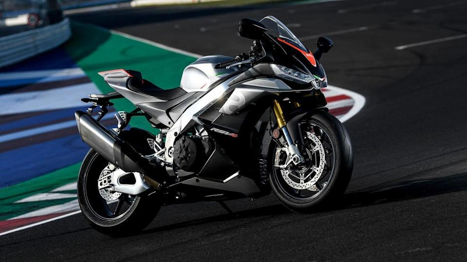 2021 Aprilia RSV4 and Tuono V4 officially listed in India