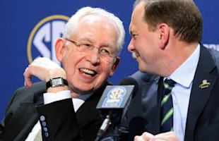 SEC commish Mike Slive saw the league's title streak end last season, but conference exposure has never been better. (AP)