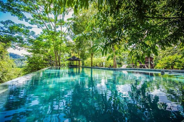 <p>There's an infinity pool with jet spa and a splash pool for the little ones, perfect for morning laps… (Airbnb) </p>