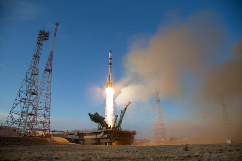 China Launches Reusable Spacecraft to Make Round-trips to Space Cheaper