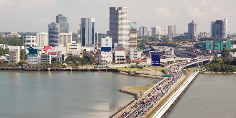 <p><img/></p>The land transport authority of Malaysia revealed that Johor's Sultan Ibrahim Sultan Iskandar has agreed to the revised design of the Rapid Transit System...