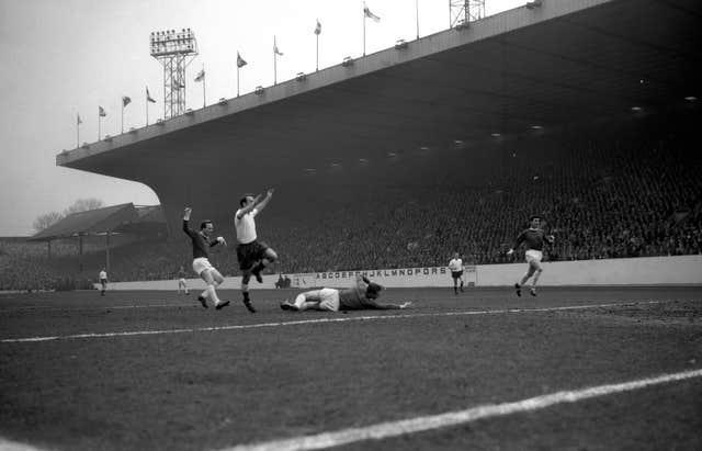 Jimmy Greaves scores in the 1962 FA Cup semi-final as Tottenham go on to win the cup