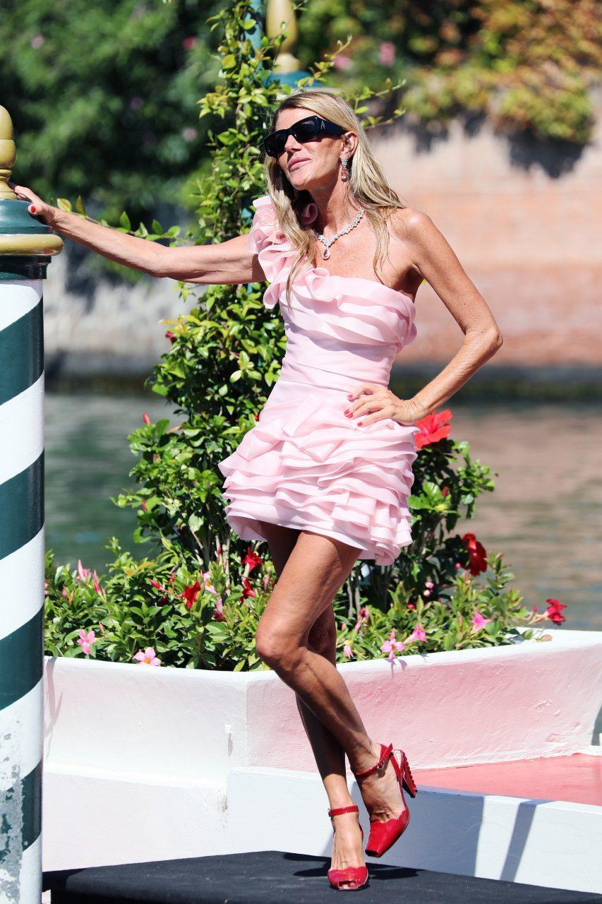 VENICE, ITALY - SEPTEMBER 01: Anna Dello Russo is seen arriving at the 78th Venice International Film Festival on September 01, 2021 in Venice, Italy. (Photo by Ernesto Ruscio/Getty Images)