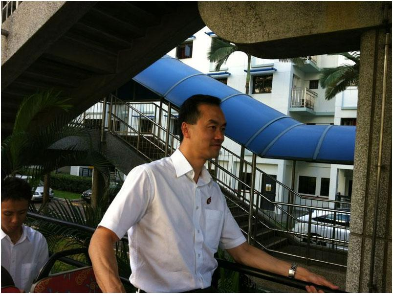 PAP's Dr Koh Poh Koon thanks residents and supporters.