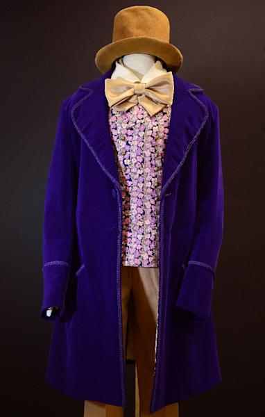 "Gene Wilder's signature costume from the film ""Willy Wonka and the Chocolate Factory"" on display in 2012 (AFP Photo/Frederic J. Brown)"