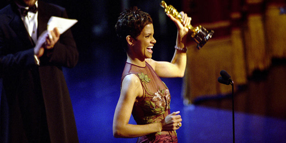 Oscar Winner Halle Berry Winner Accepts The Best Actress Academy Award For Her Performan (Getty Images)