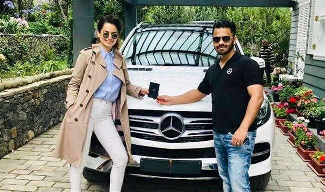 Kangana's new car is a white Mercedes GLE SUV. Mercedes is the preferred car for Bollywood celebs and Kangana has also joined the club. The GLE is a high-end midsize luxury SUV.