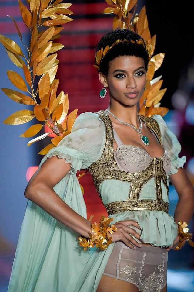 Jourdana Phillips during the 2017 Victoria's Secret Fashion Show in Shanghai on Nov. 20. (Photo: Fred Dufour/AFP/Getty Images)