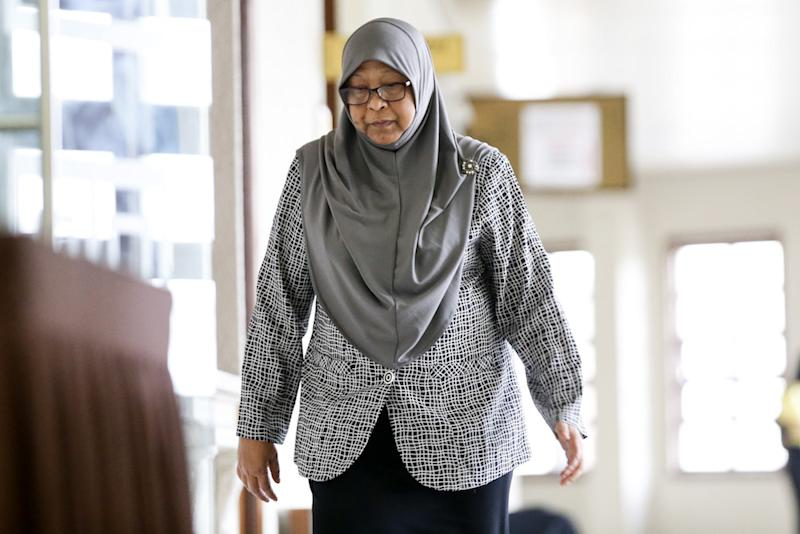 Former deputy secretary-general (Systems and Controls) at the Finance Ministry, Datuk Fauziah Yaacob, is pictured at the Kuala Lumpur High Court July 18, 2019. — Picture by Ahmad Zamzahuri