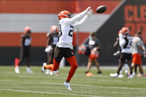 Browns CB Johnson released from hospital, RB Chubb back