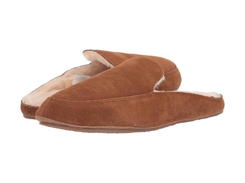 """""""Shearling-lined slippers are a go-to season after season for their unmatched cozy factor,"""" notes Davignon. """"The classic mule or moccasin silhouette with cushy soft shearling lining is the way to go. The streamlined construction of these Madewell slippers are a welcome update to the traditional style."""" (Photo: Zappos) <a href=""""https://fave.co/2XsgN1T"""" rel=""""nofollow noopener"""" target=""""_blank"""" data-ylk=""""slk:SHOP IT:"""" class=""""link rapid-noclick-resp""""><strong>SHOP IT: </strong></a><strong>Madewell Loafer Scuff Slippers, $39.50, </strong><a href=""""https://fave.co/2XsgN1T"""" rel=""""nofollow noopener"""" target=""""_blank"""" data-ylk=""""slk:zappos.com"""" class=""""link rapid-noclick-resp""""><strong>zappos.com</strong></a>"""