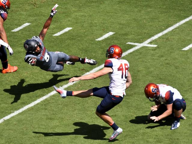 """Syracuse's <a class=""""link rapid-noclick-resp"""" href=""""/ncaaf/players/243328/"""" data-ylk=""""slk:Cole Murphy"""">Cole Murphy</a> has only missed two field goals this season. (Photo by Mike Comer/Getty Images)"""