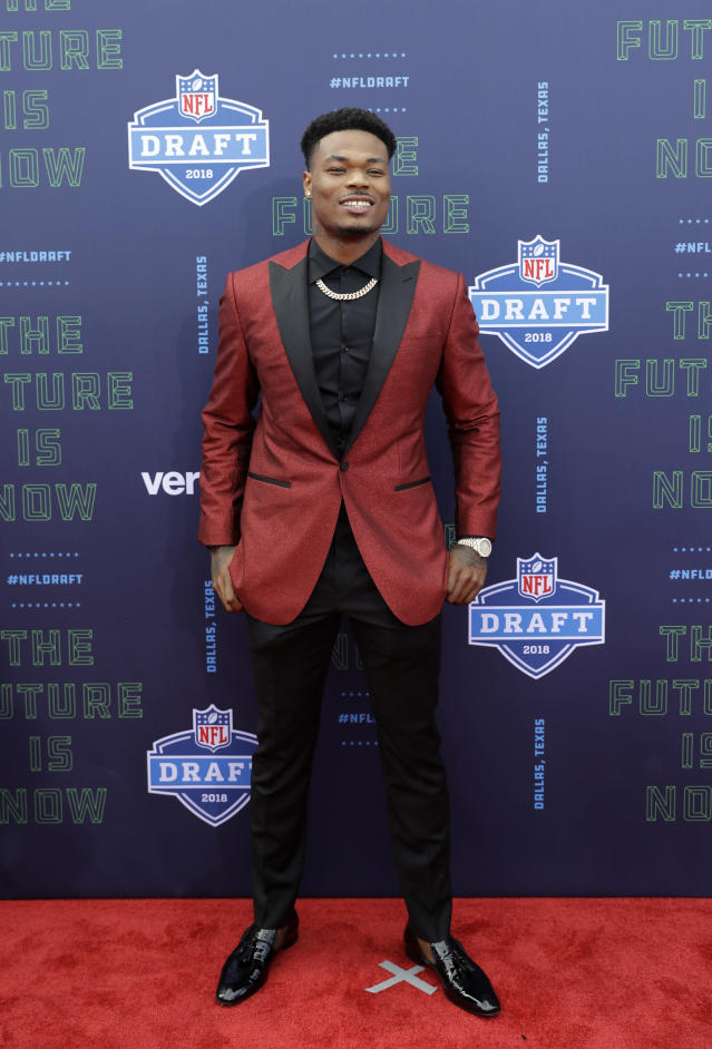<p>Florida State's Derwin James poses for photos on the red carpet before the first round of the NFL football draft, Thursday, April 26, 2018, in Arlington, Texas. (AP Photo/Eric Gay) </p>
