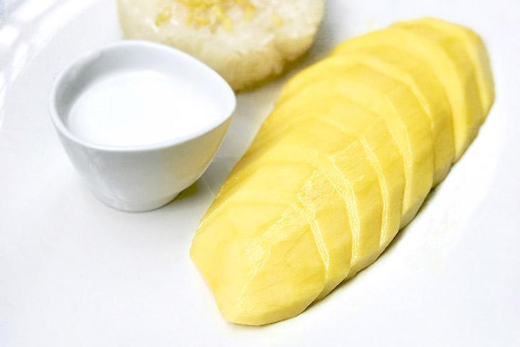 The quintessential Thai dessert: 'khao niao mamuang' or mango sticky rice. – Pictures by CK Lim