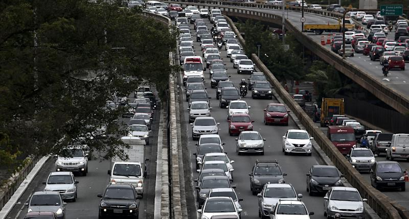 A traffick jam during a general strike against the Brazilian social welfare reform project in Sao Paulo, Brazil, on April 28, 2017. Protesters snarled rush hour traffic and closed down the metro in Brazil's economic center Sao Paulo on Friday at the start of a nationwide strike called by unions opposing austerity reforms. / AFP PHOTO / Miguel SCHINCARIOL (Photo credit should read MIGUEL SCHINCARIOL/AFP via Getty Images)