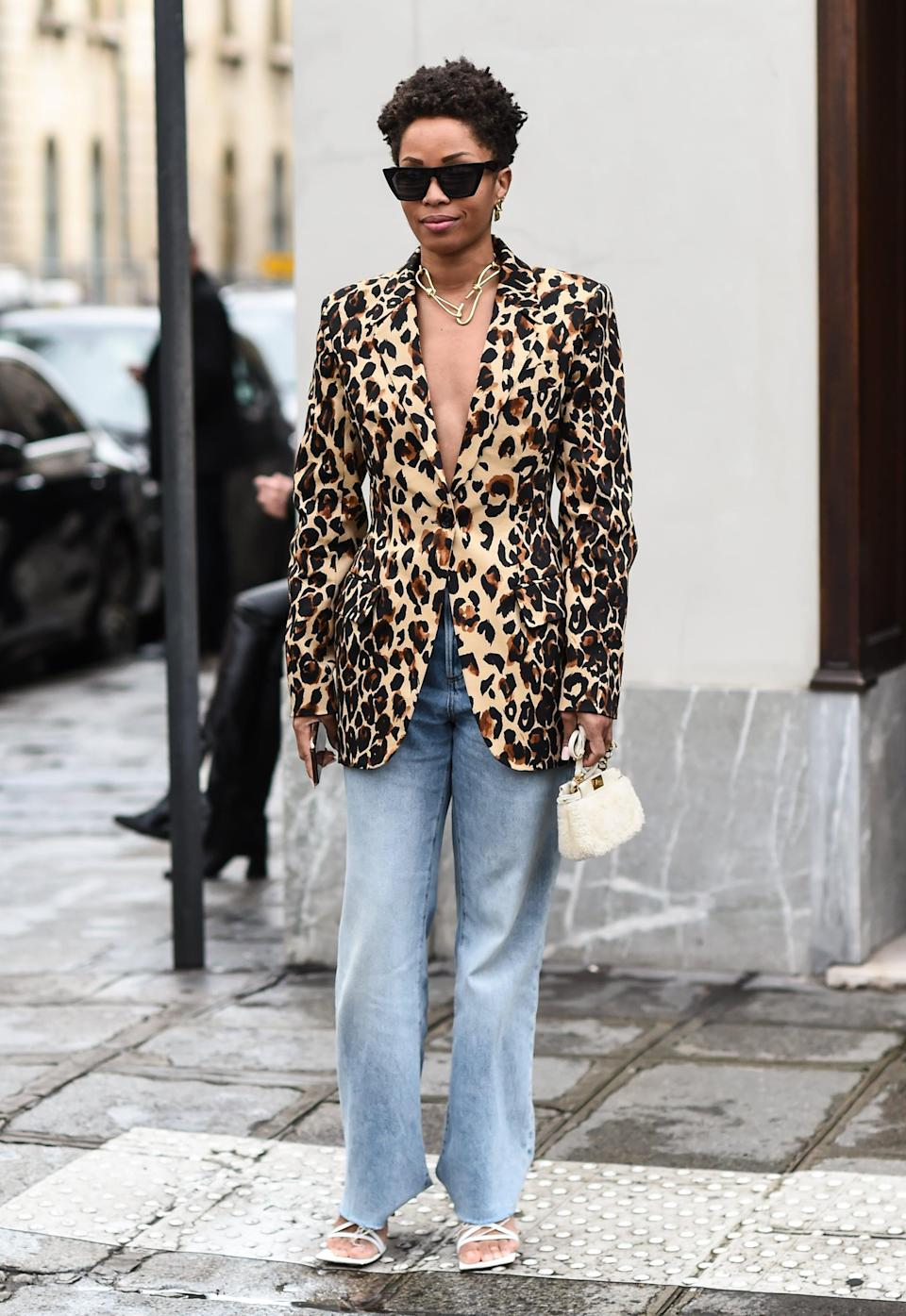 <p>For a sophisticated spin, we love the look of baggy jeans with heels and a blazer worn as a top. </p>