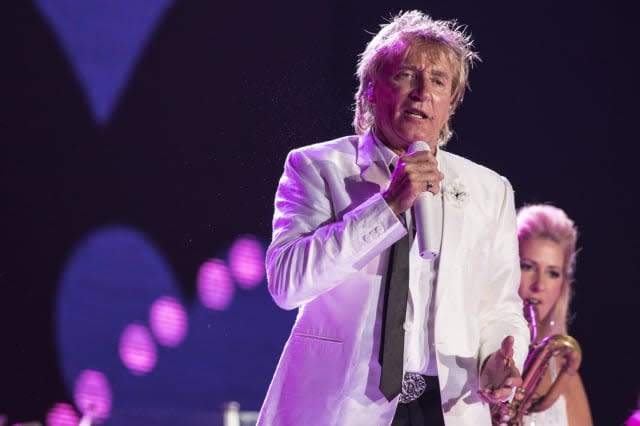 Rod Stewart books second hotel room for model trains on tour