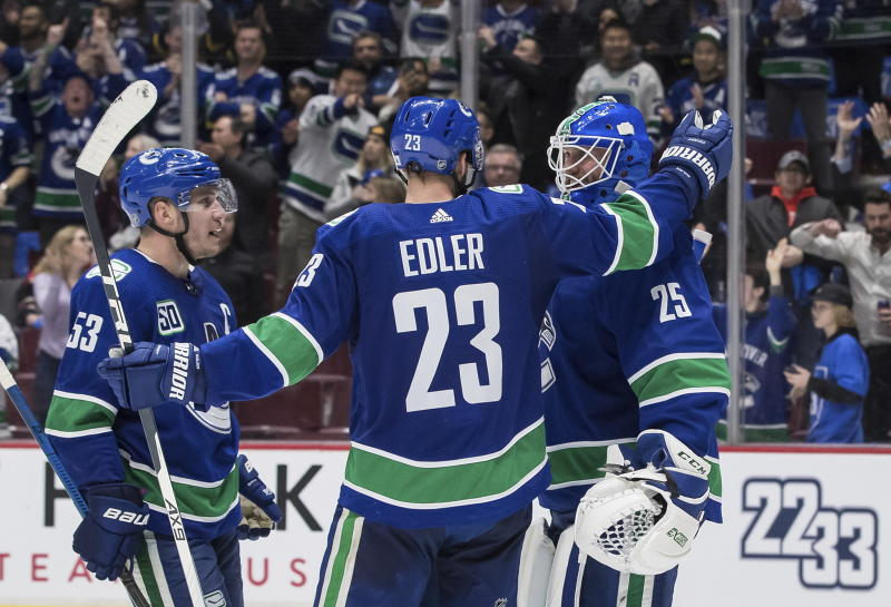 Markstrom stops 49 shots, Canucks blank Blackhawks 3-0