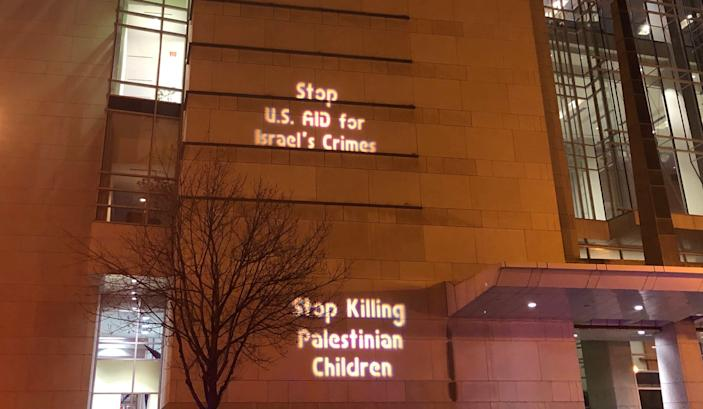 Protest messages during AIPAC in Washington, DC. (Photo: Alexander Nazaryan/Yahoo News)