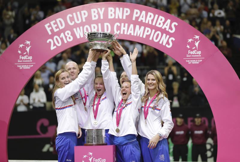 Czech Republic beat USA to win Fed Cup