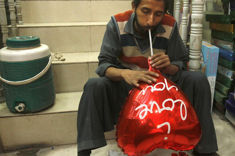 Love Is In The Air, But Not On Airwaves as Pakistan Bans Valentine's Day