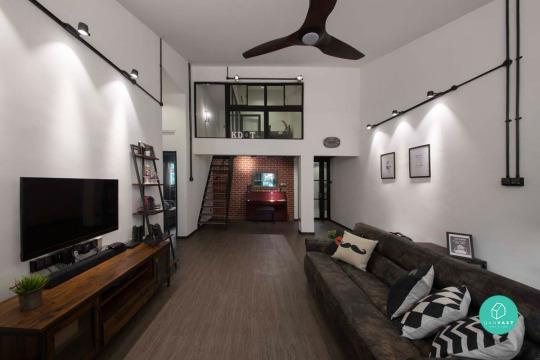 The Wood Meets Metallics And A Red Brick Wall Gives Apartment Very Soho Urban Feel White Walls Plants Touches Of Fun Décor Keeps It Light