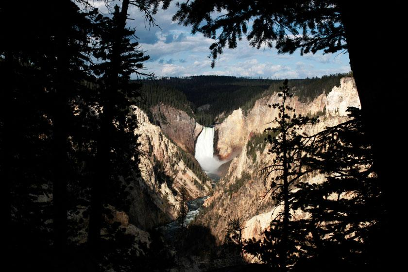 The Yellowstone River Lower Falls is seen at sunrise in Yellowstone National Park, Wyoming August 11, 2011. Picture taken August 11, 2011. REUTERS/Lucy Nicholson