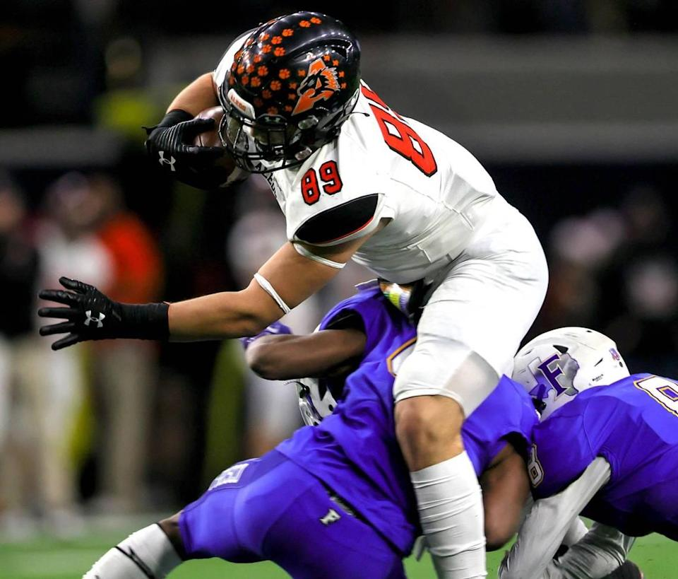 Aledo tight end Jason Llewellyn (89) comes up with a reception against Frisco during the first half of the 5A Division II Regional round high school football playoffs, December 24, 2020, played at The Ford Center at the Star in Frisco, Tx. (Steve Nurenberg Special to the Star-Telegram)