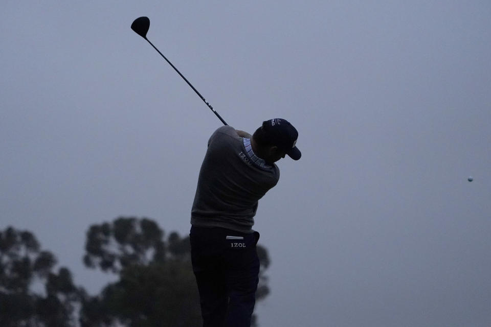 Louis Oosthuizen, of South Africa, plays his shot from the seventh tee during the first round of the U.S. Open Golf Championship, Thursday, June 17, 2021, at Torrey Pines Golf Course in San Diego. (AP Photo/Jae C. Hong)