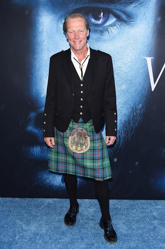 <p>Glen honored his Scottish roots in a traditional kilt. (Photo: Rex) </p>