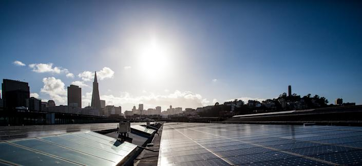 The Exploratorium museum's roof will pay for itself in 10 years and return surplus power to the community. (Photo by Alice Truong)