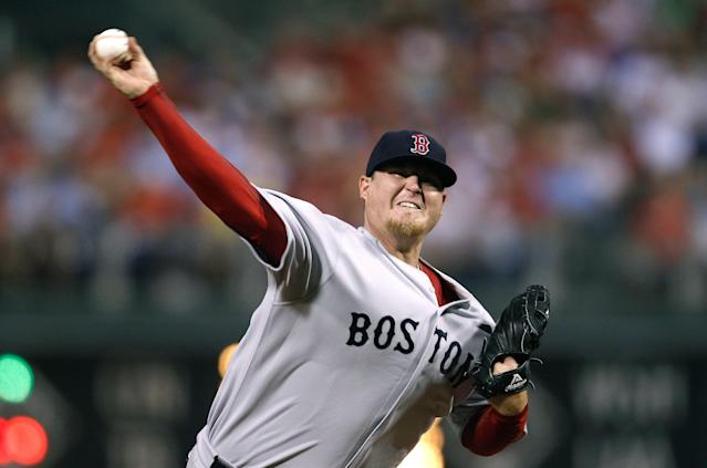 """<a class=""""link rapid-noclick-resp"""" href=""""/mlb/teams/boston/"""" data-ylk=""""slk:Boston Red Sox"""">Boston Red Sox</a> pitcher Bobby Jenks received a large settlement for a career-ending spinal surgery. (AP Photo/Matt Slocum, File)"""
